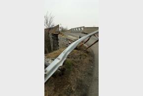 Most přes trať neprůjezdný kvůli havárii